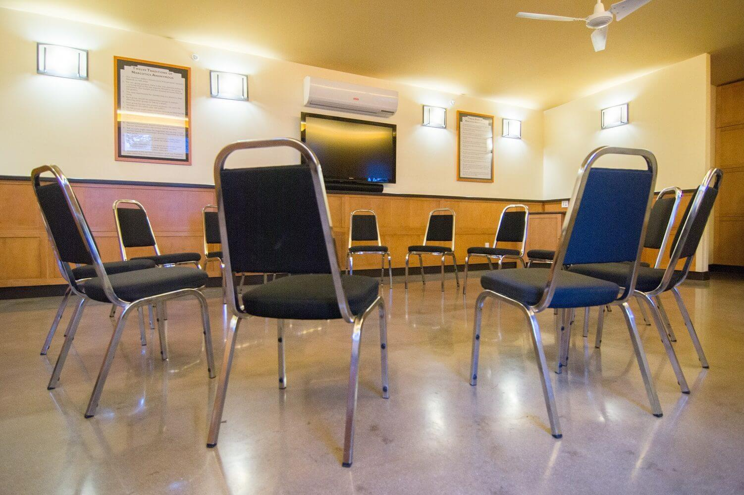 addiction recovery and treatment group room